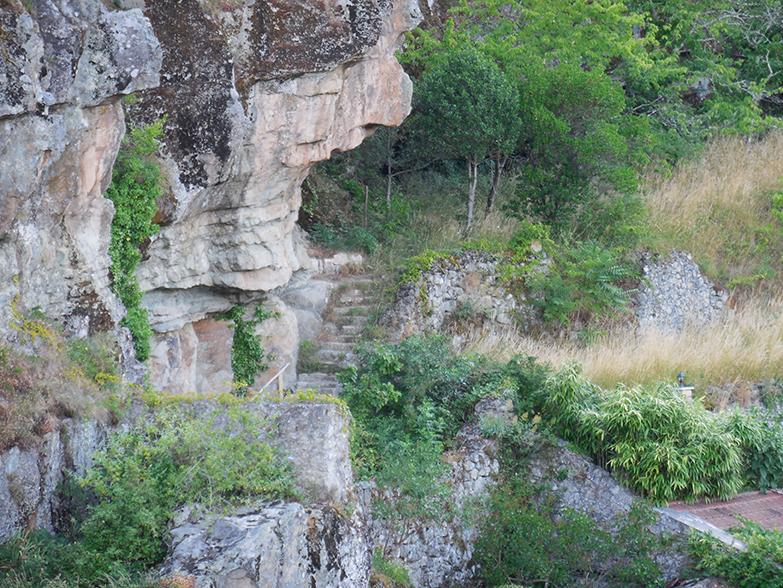 la mine protégée par le château de Larentière